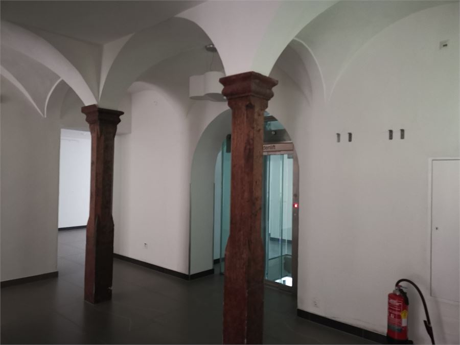 Verkaufsflächen mit Lift