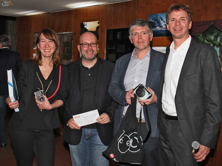 Michael Denkstein and the winners of the photo competition 2016/ 2017