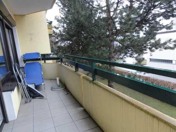 gro z gige 2 zimmer wohnung mit balkon in liefering salzburg 2 zimmer denkstein immobilien. Black Bedroom Furniture Sets. Home Design Ideas