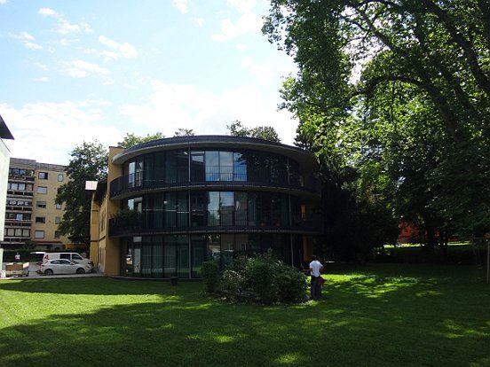 2 zimmer terrassenwohnung am residenzpark in salzburg parsch mieten denkstein immobilien. Black Bedroom Furniture Sets. Home Design Ideas