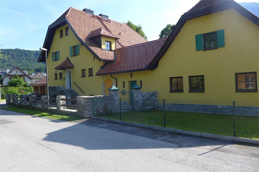 romantisches gartenhaus in aigen salzburg. Black Bedroom Furniture Sets. Home Design Ideas