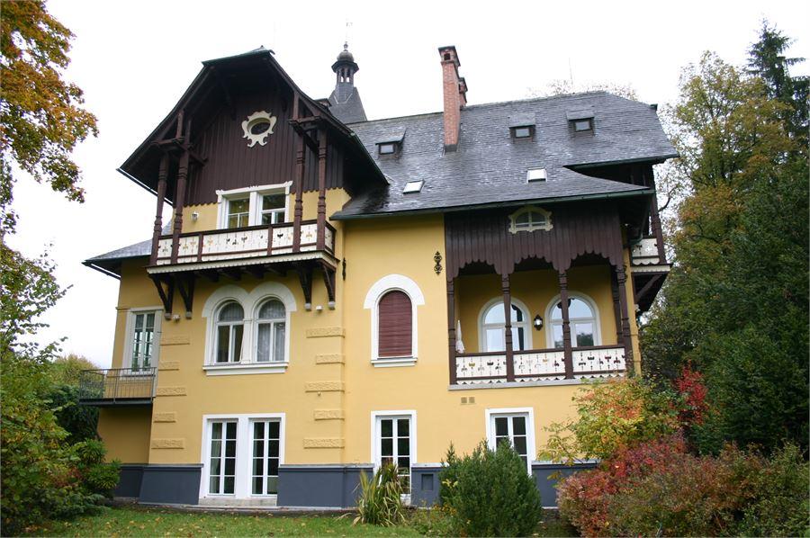 herrschaftsvilla zu kaisers zeiten kaufen denkstein immobilien ihre immobilie in salzburg. Black Bedroom Furniture Sets. Home Design Ideas