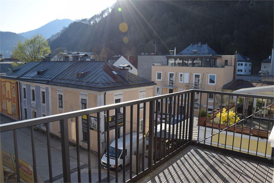 andr viertel wundersch ne 2 zimmer altbauwohnung mit balkon in salzburg stadt mieten. Black Bedroom Furniture Sets. Home Design Ideas