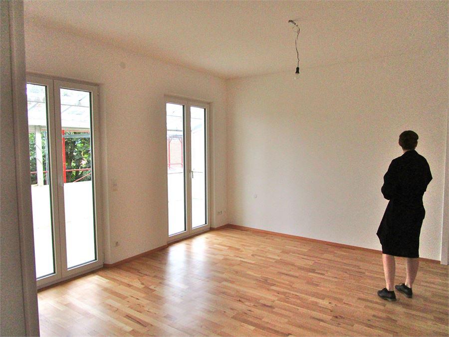 5 zimmer wohnung mit balkon in freilassing n he salzburg. Black Bedroom Furniture Sets. Home Design Ideas